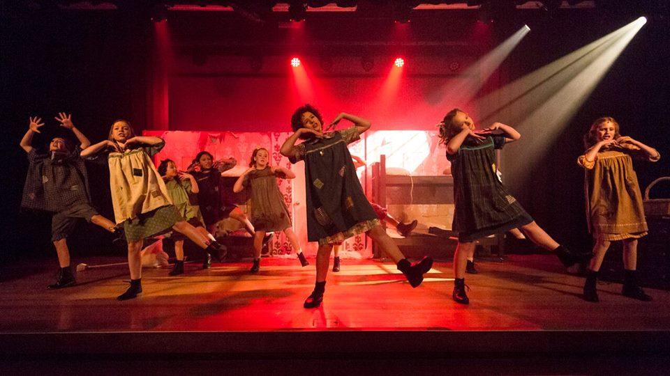 Annie 2016 Western Arts Theatre Inc